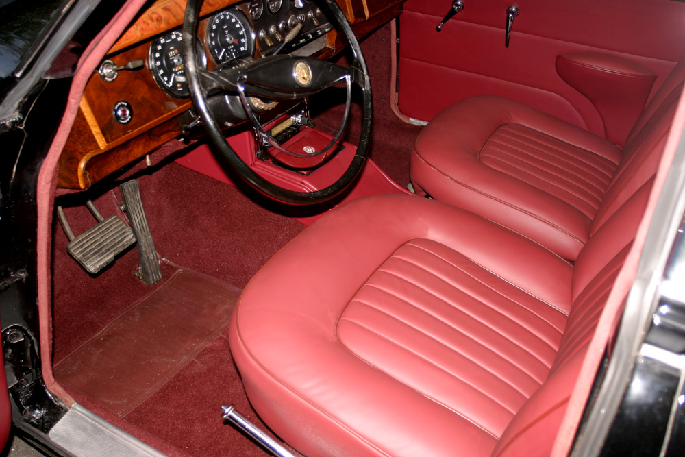 1961 JAGUAR MARK II 4 DOOR SEDAN - Interior - 131040