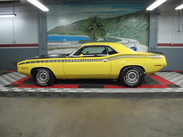 1970 PLYMOUTH CUDA AAR 2 DOOR COUPE - Side Profile - 131043