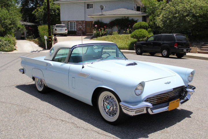 1957 FORD THUNDERBIRD CONVERTIBLE - Side Profile - 131046