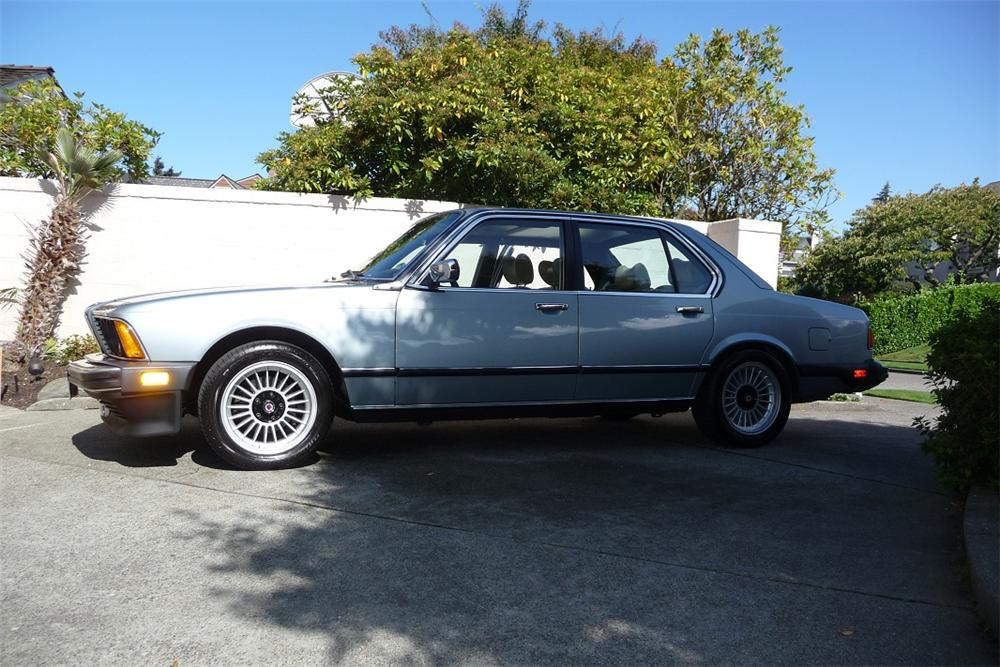 1981 BMW 733I 4 DOOR SEDAN - Side Profile - 131047