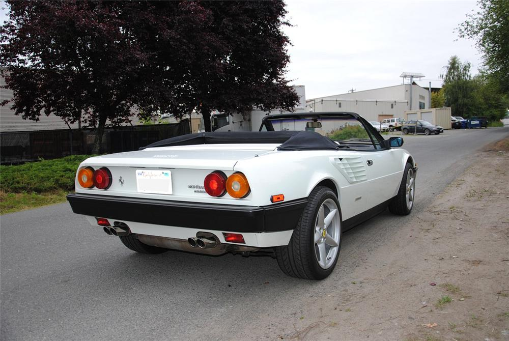 1985 FERRARI MONDIAL CONVERTIBLE - Rear 3/4 - 131048