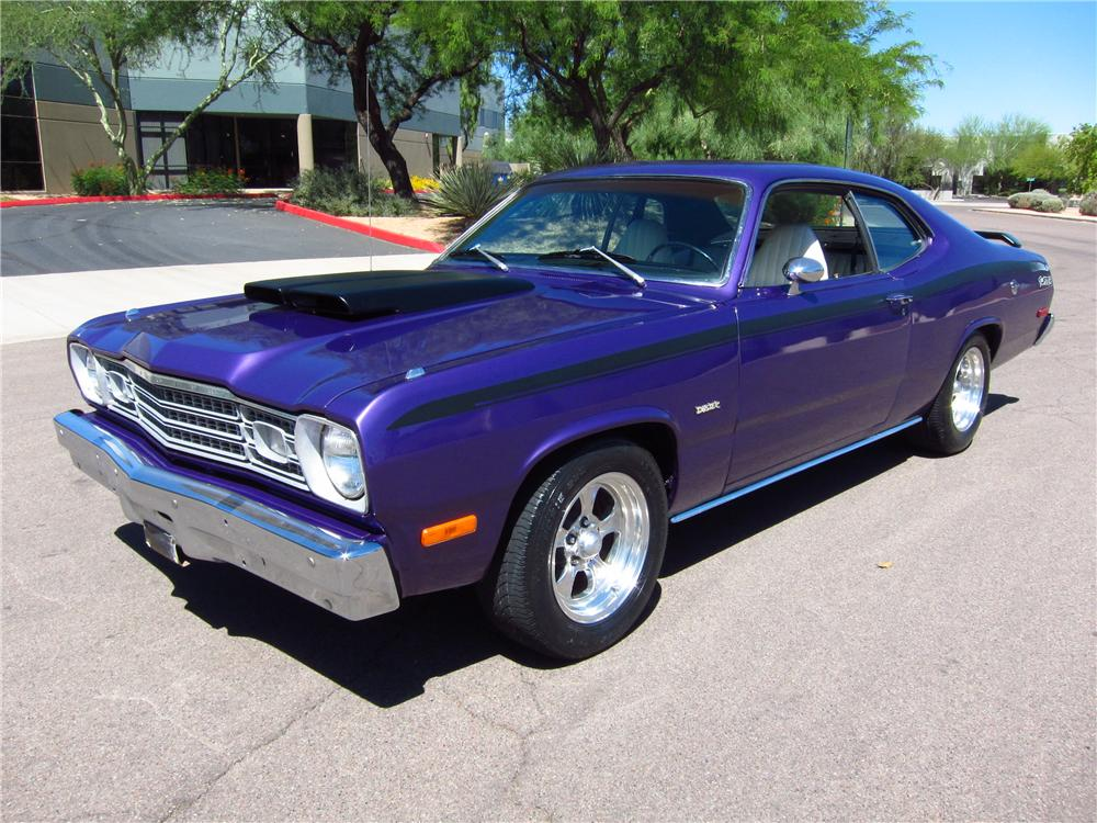 1974 PLYMOUTH DUSTER 2 DOOR HARDTOP - Front 3/4 - 131051