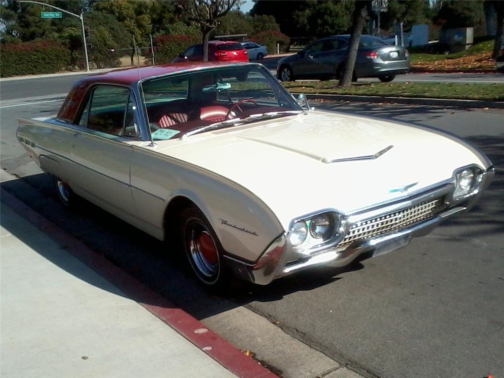 1962 FORD THUNDERBIRD COUPE - Side Profile - 131052