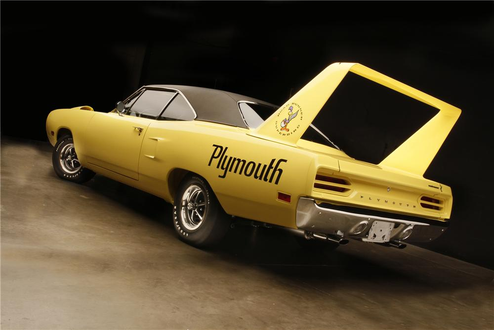 1970 PLYMOUTH HEMI SUPERBIRD 2 DOOR HARDTOP - Rear 3/4 - 132690