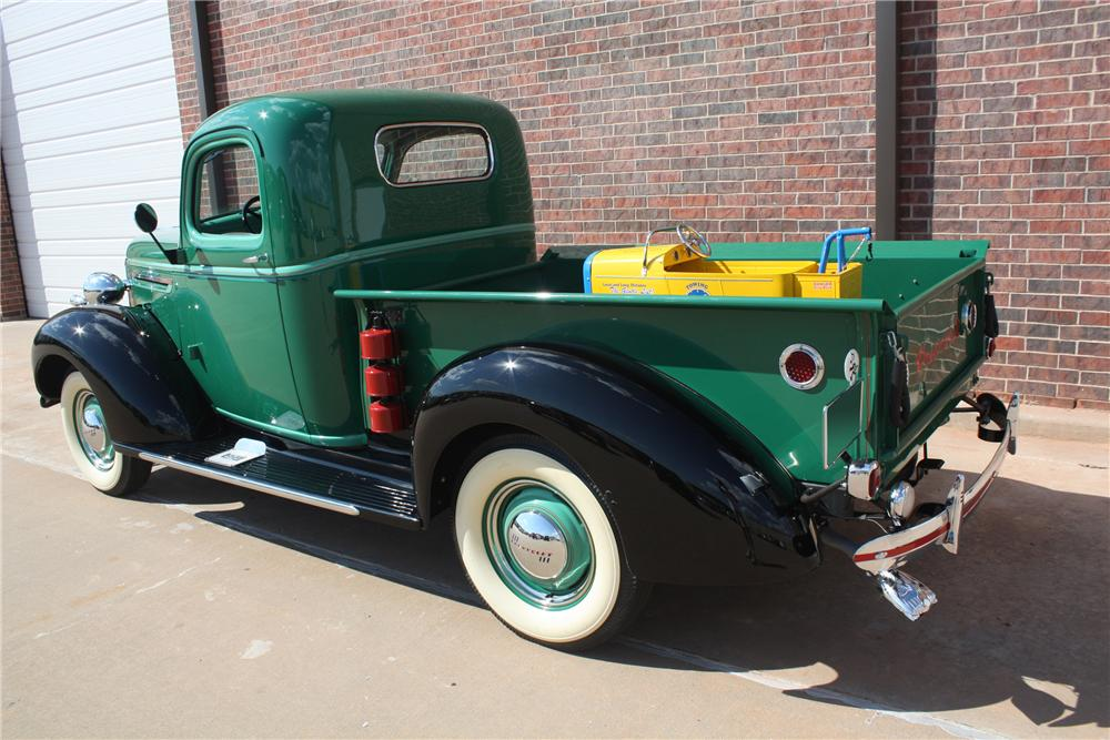 1939 CHEVROLET PICKUP - Rear 3/4 - 132691
