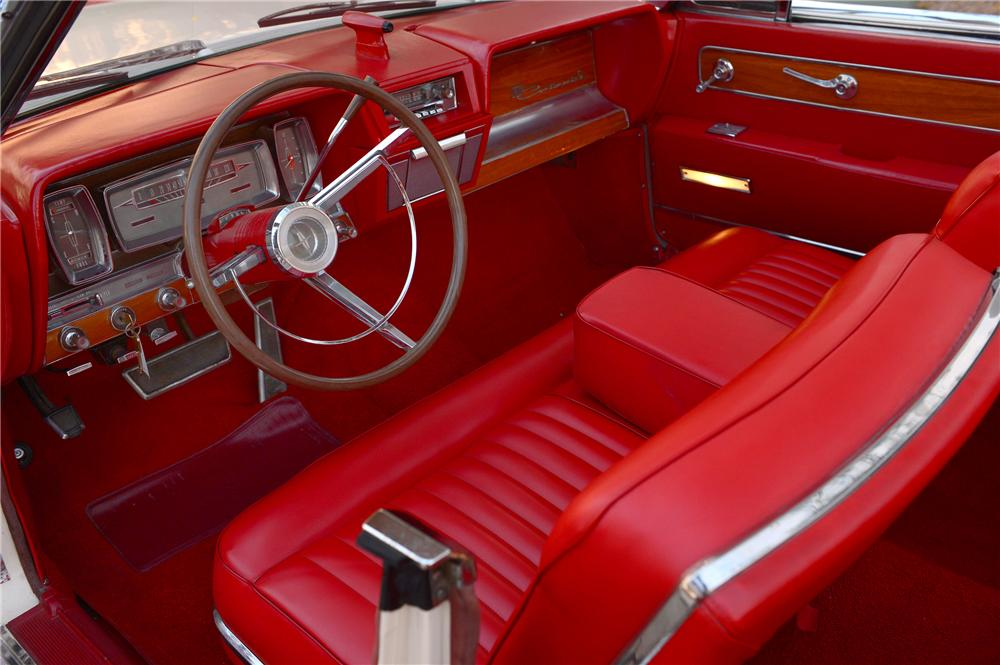1962 LINCOLN CONTINENTAL CONVERTIBLE - Interior - 132706