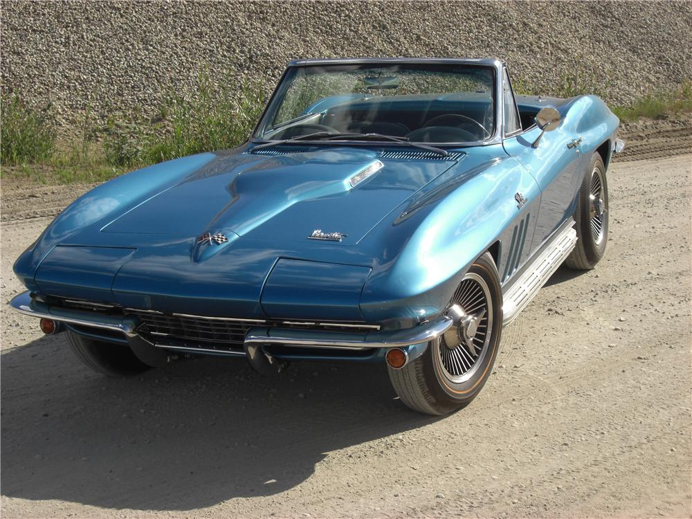 1966 CHEVROLET CORVETTE CONVERTIBLE - Front 3/4 - 132732