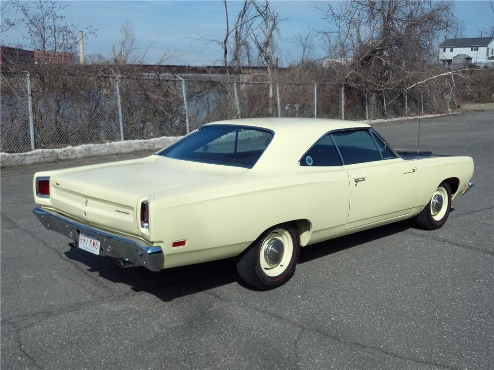 1969 PLYMOUTH HEMI ROAD RUNNER 2 DOOR HARDTOP - Rear 3/4 - 132747