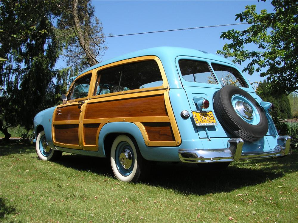1951 FORD COUNTRY SQUIRE WOODY STATION WAGON - Rear 3/4 - 132750