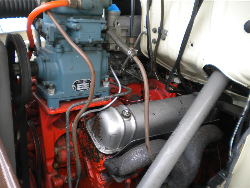 1956 FORD C800 FLATBED TOW TRUCK - Engine - 132772