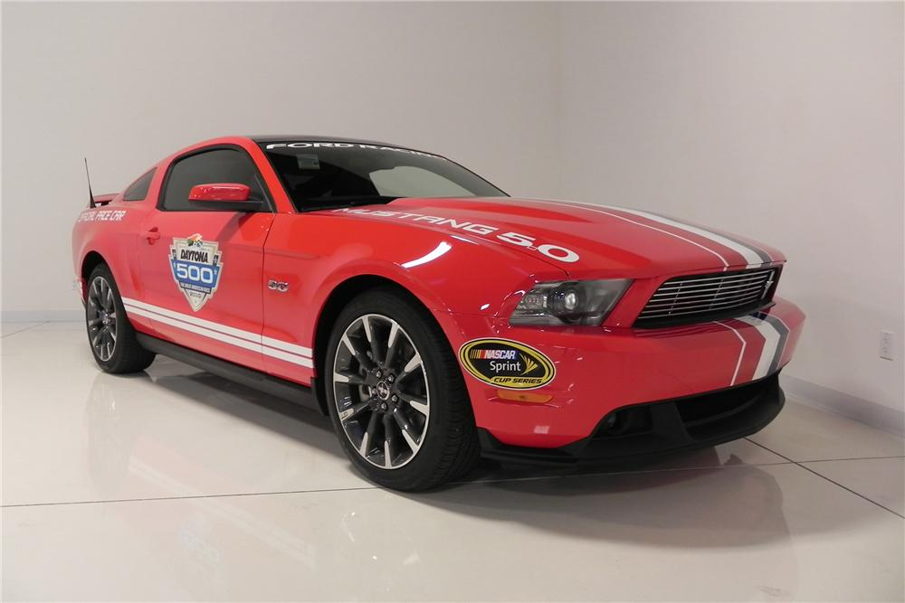 2011 FORD MUSTANG GT DAYTONA 500 PACE CAR COUPE - Front 3/4 - 132773