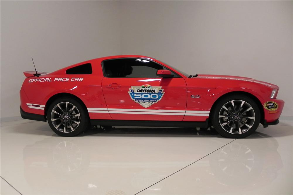 2011 FORD MUSTANG GT DAYTONA 500 PACE CAR COUPE - Side Profile - 132773
