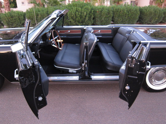 1962 LINCOLN CONTINENTAL CONVERTIBLE - Interior - 132792