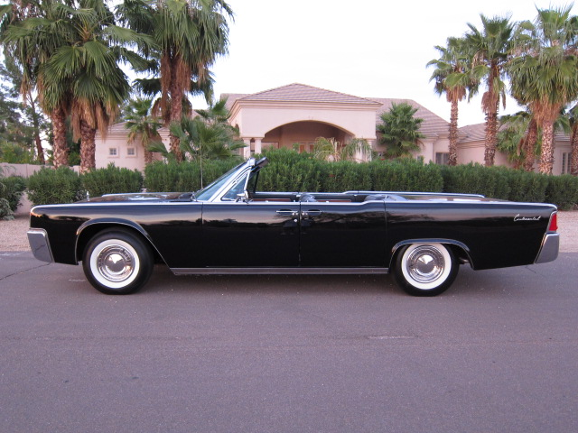 1962 LINCOLN CONTINENTAL CONVERTIBLE - Side Profile - 132792