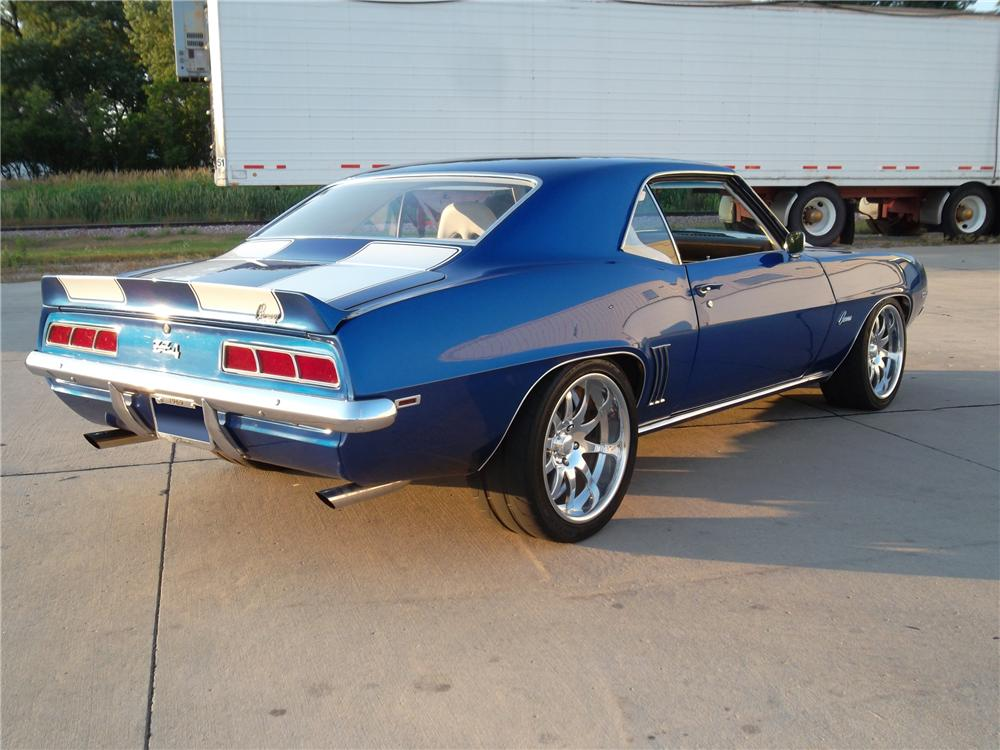 1969 CHEVROLET CAMARO CUSTOM 2 DOOR COUPE - Rear 3/4 - 132797