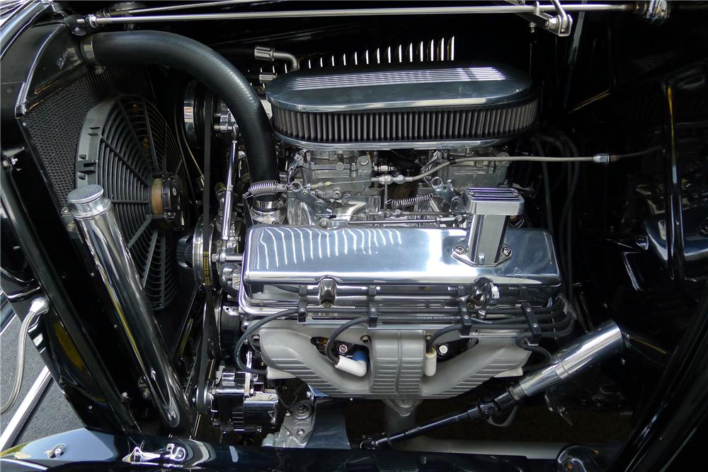 1932 FORD CUSTOM ROADSTER - Engine - 132850