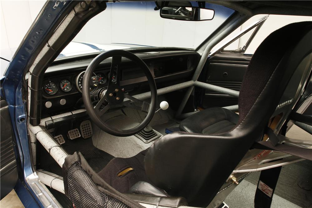 1966 SHELBY GT350 FASTBACK - Interior - 132892