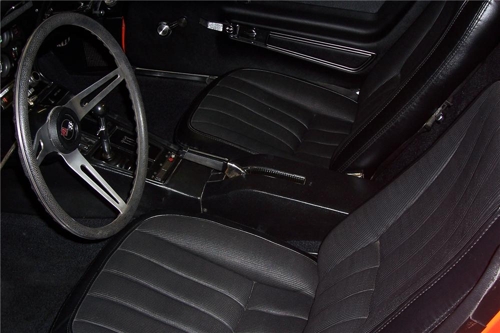 1969 CHEVROLET CORVETTE CONVERTIBLE - Interior - 132920