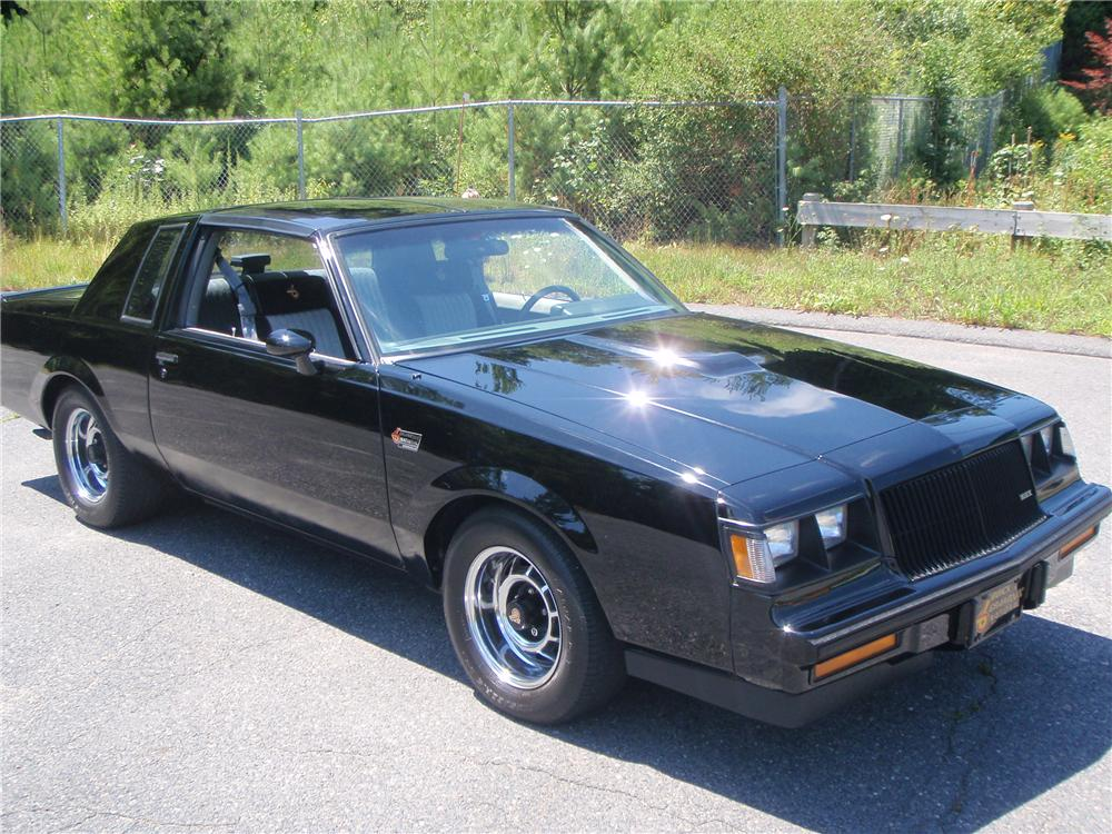 1987 BUICK REGAL GRAND NATIONAL 2 DOOR COUPE - Front 3/4 - 132924