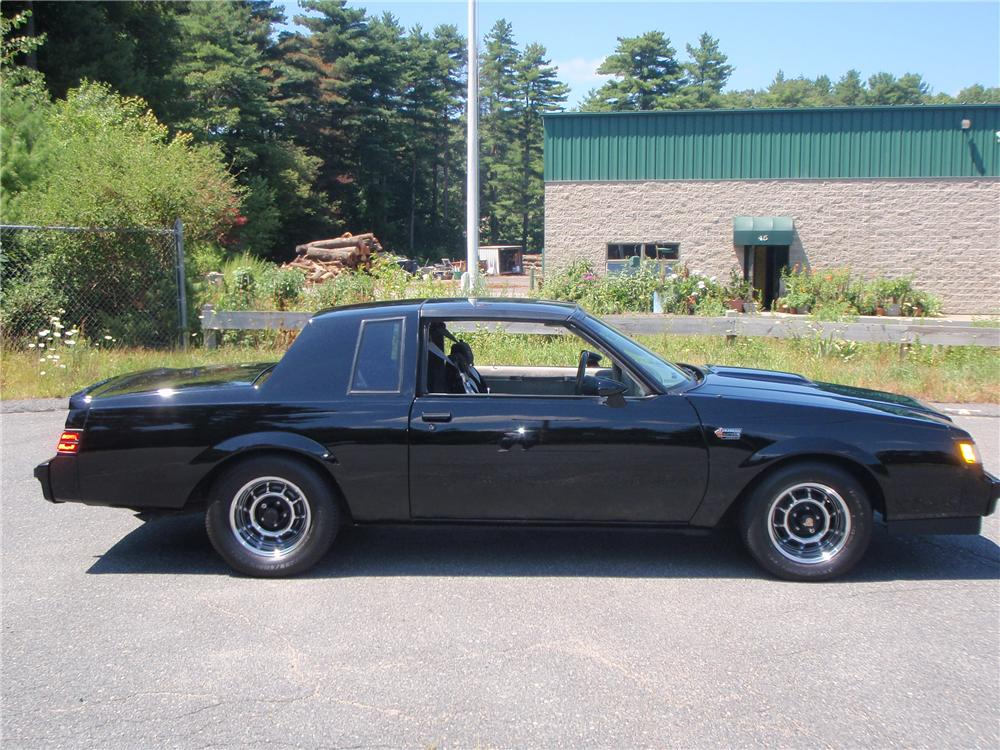 1987 BUICK REGAL GRAND NATIONAL 2 DOOR COUPE - Side Profile - 132924