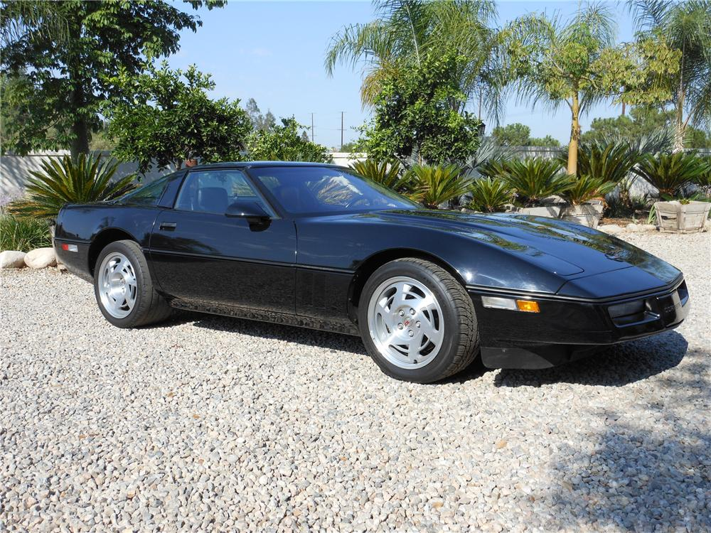 1990 CHEVROLET CORVETTE 2 DOOR COUPE - Front 3/4 - 132959