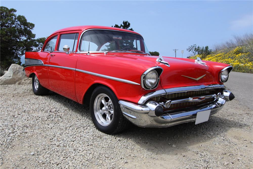 1957 CHEVROLET 210 CUSTOM 2 DOOR SEDAN - Front 3/4 - 132965