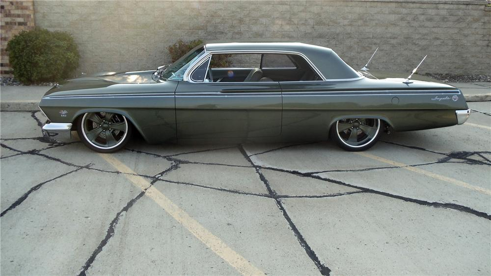 1962 CHEVROLET IMPALA SS CUSTOM 2 DOOR COUPE - Side Profile - 132986