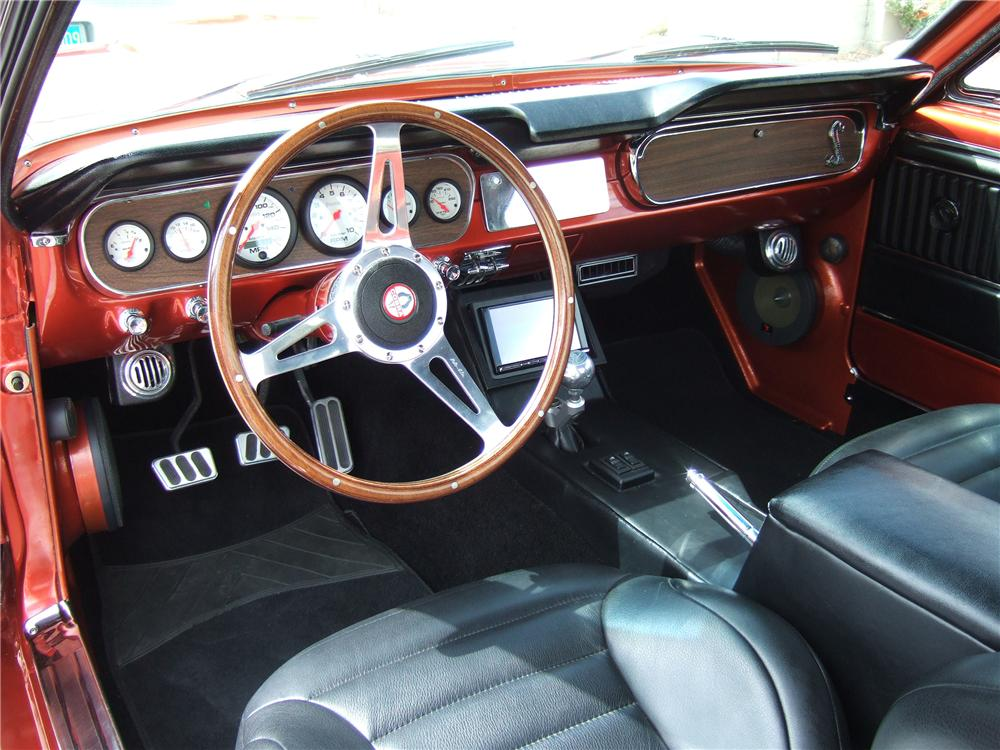 1965 FORD MUSTANG CUSTOM FASTBACK - Interior - 133012