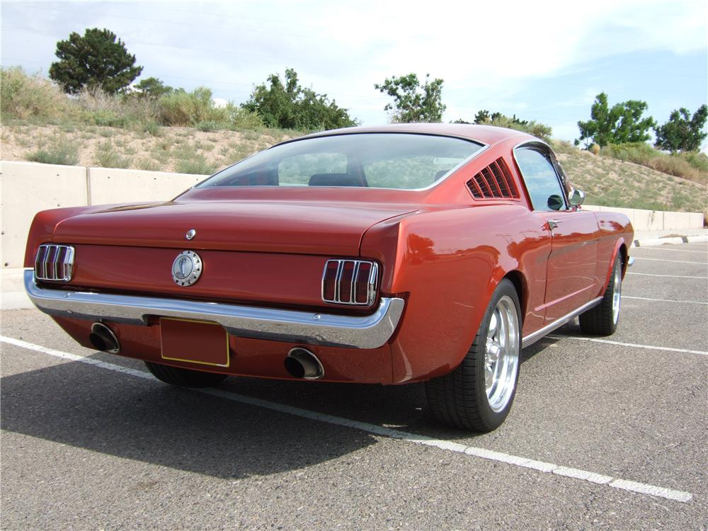 1965 FORD MUSTANG CUSTOM FASTBACK - Rear 3/4 - 133012