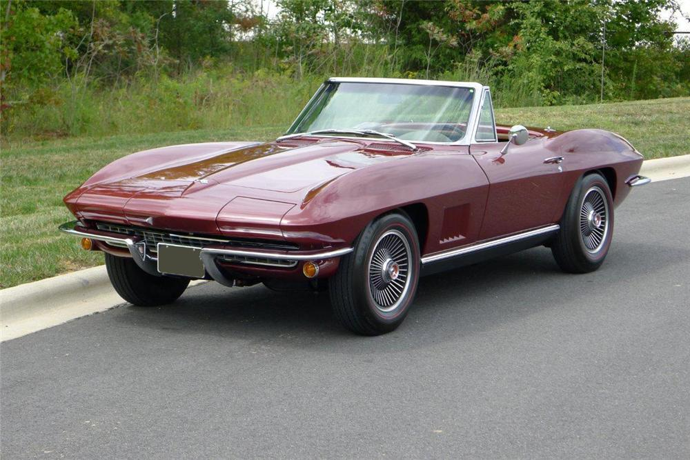 1967 CHEVROLET CORVETTE CONVERTIBLE - Front 3/4 - 133016