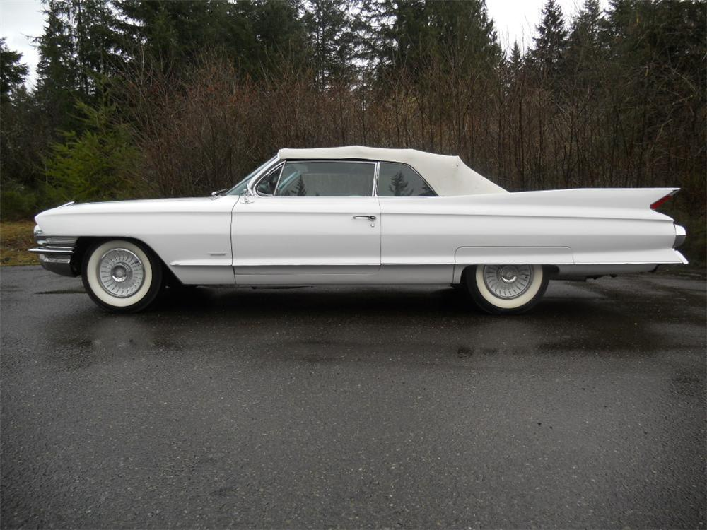 1961 CADILLAC SERIES 62 CONVERTIBLE - 133024