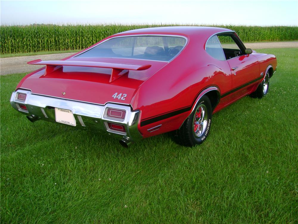 1971 OLDSMOBILE 442 2 DOOR COUPE - Rear 3/4 - 133026