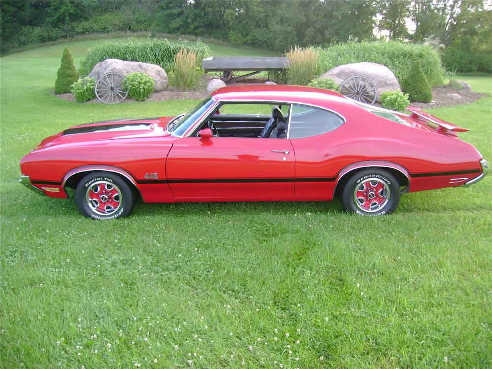 1971 OLDSMOBILE 442 2 DOOR COUPE - Side Profile - 133026