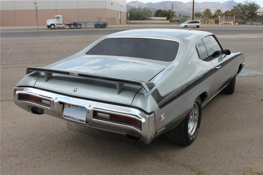 1972 BUICK SKYLARK CUSTOM 2 DOOR COUPE - Rear 3/4 - 133034