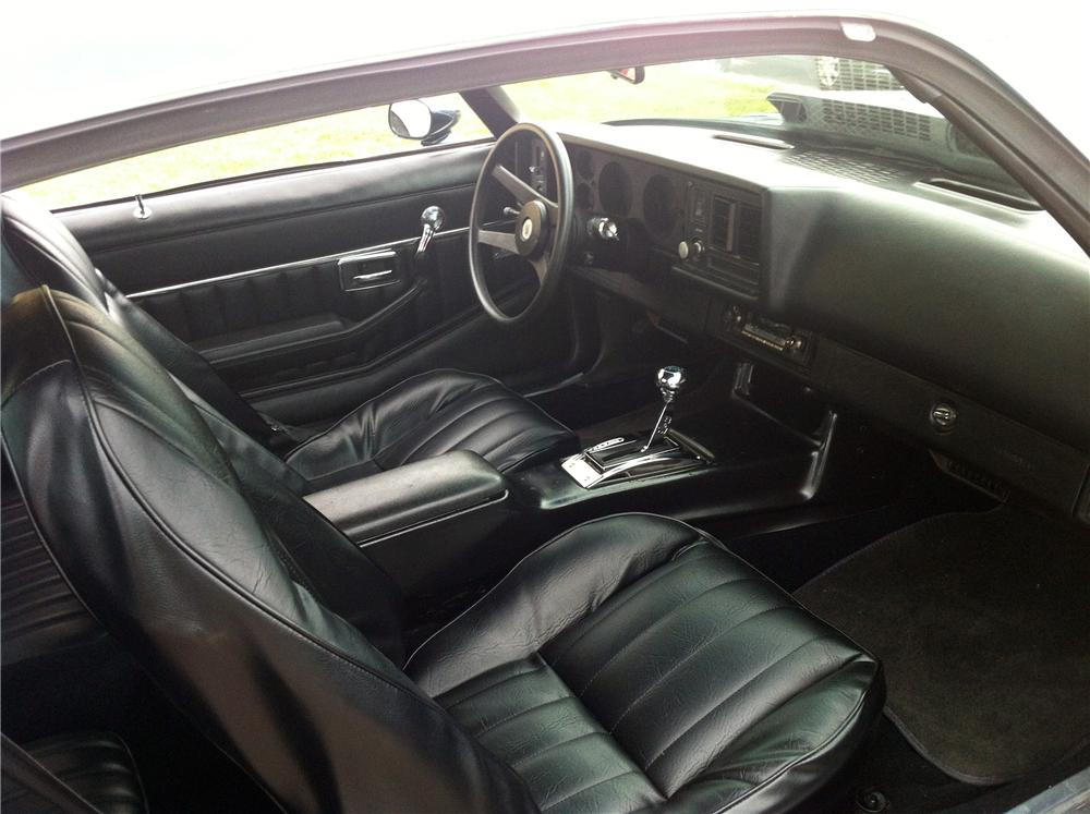 1980 CHEVROLET CAMARO 2 DOOR COUPE - Interior - 133042