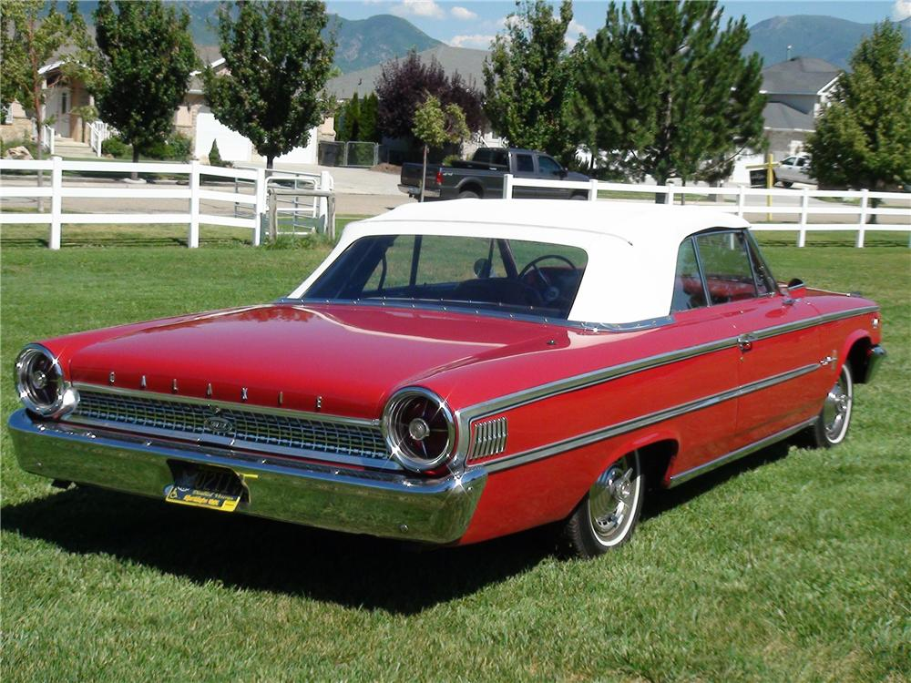 1963 FORD GALAXIE 500 XL CONVERTIBLE - Rear 3/4 - 133048