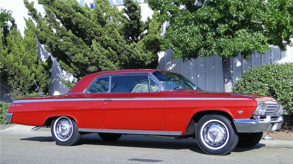 1962 CHEVROLET IMPALA SS COUPE - Front 3/4 - 133053