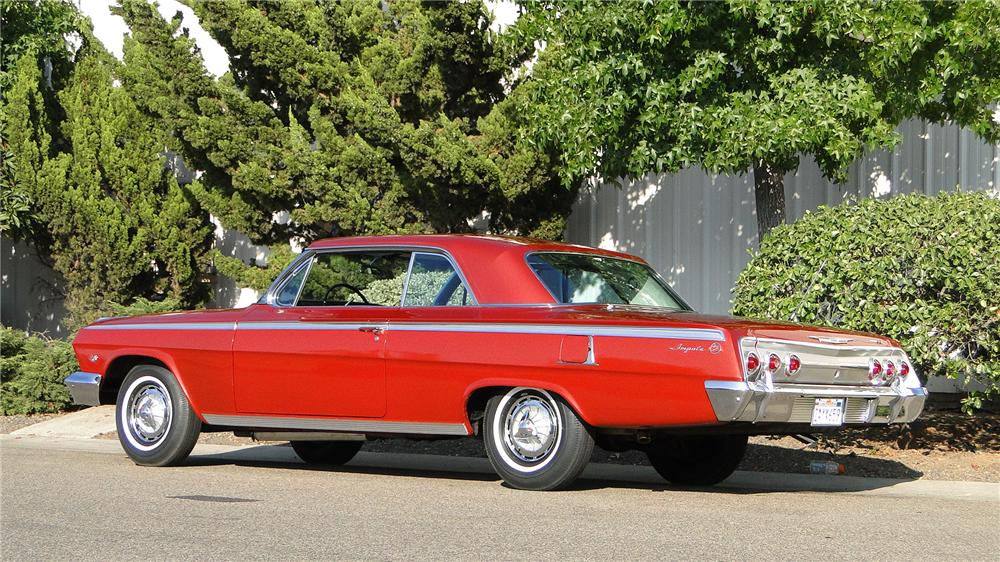 1962 CHEVROLET IMPALA SS COUPE - Rear 3/4 - 133053