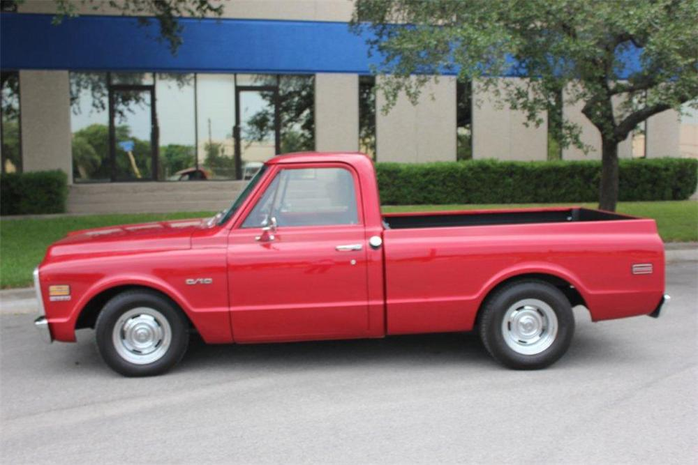 1970 CHEVROLET C-10 CUSTOM PICKUP - Side Profile - 133057