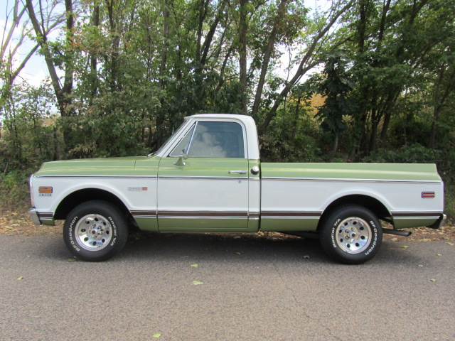 1971 CHEVROLET C-10 SHORT WIDE BED PICKUP - Side Profile - 133077