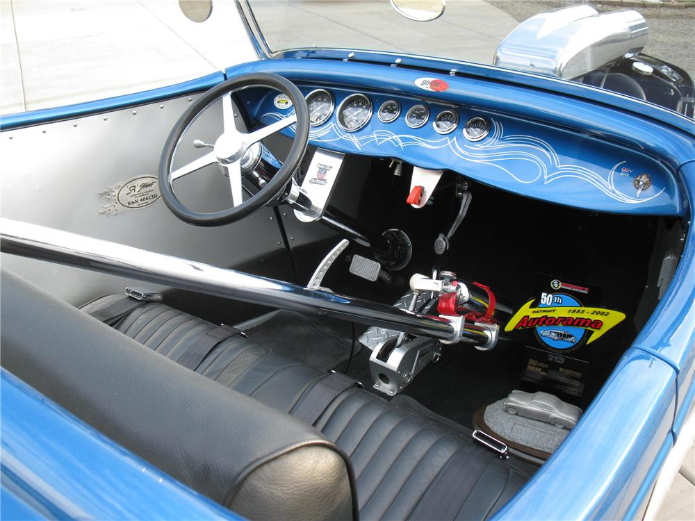 1934 FORD HI-BOY CUSTOM ROADSTER - Interior - 133081