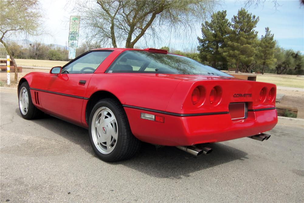 1989 CHEVROLET CORVETTE 2 DOOR COUPE - 133130