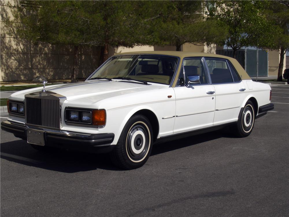 1986 ROLLS-ROYCE SILVER SPUR 4 DOOR SEDAN - Front 3/4 - 133139
