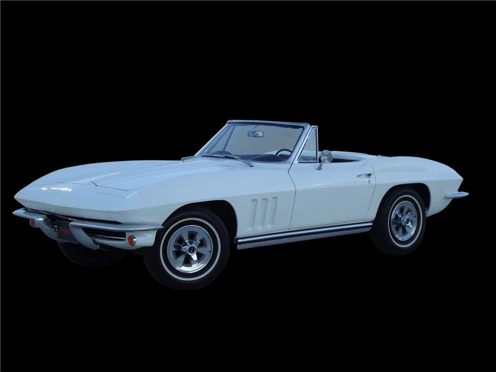 1965 CHEVROLET CORVETTE CONVERTIBLE - Front 3/4 - 133144