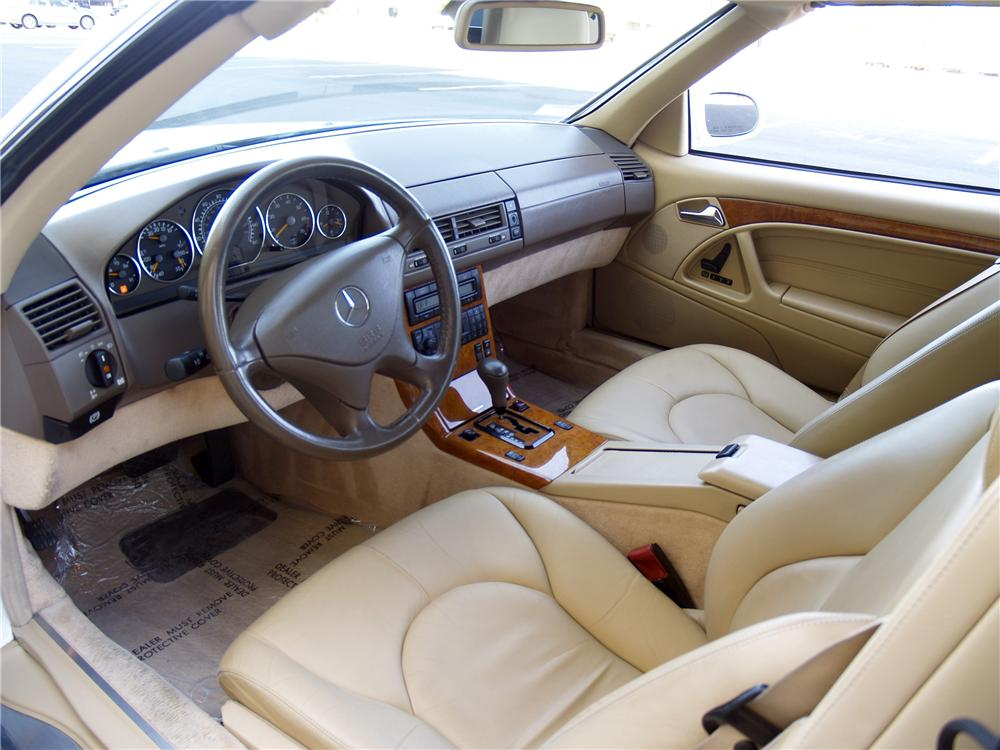 2001 MERCEDES-BENZ SL500 CONVERTIBLE - Interior - 133147