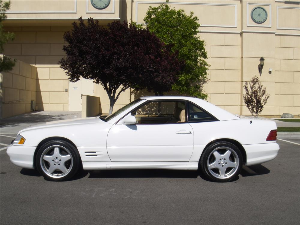 2001 MERCEDES-BENZ SL500 CONVERTIBLE - Side Profile - 133147