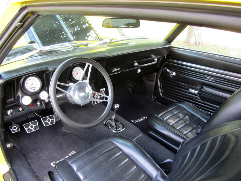1969 CHEVROLET CAMARO PRO-TOURING COUPE - Interior - 133166