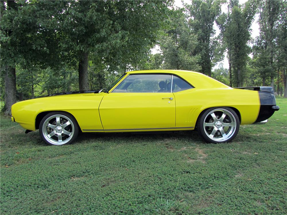 1969 CHEVROLET CAMARO PRO-TOURING COUPE - Side Profile - 133166