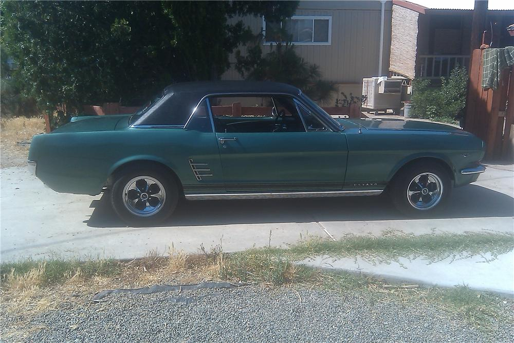 1966 FORD MUSTANG 2 DOOR HARDTOP - Side Profile - 133183
