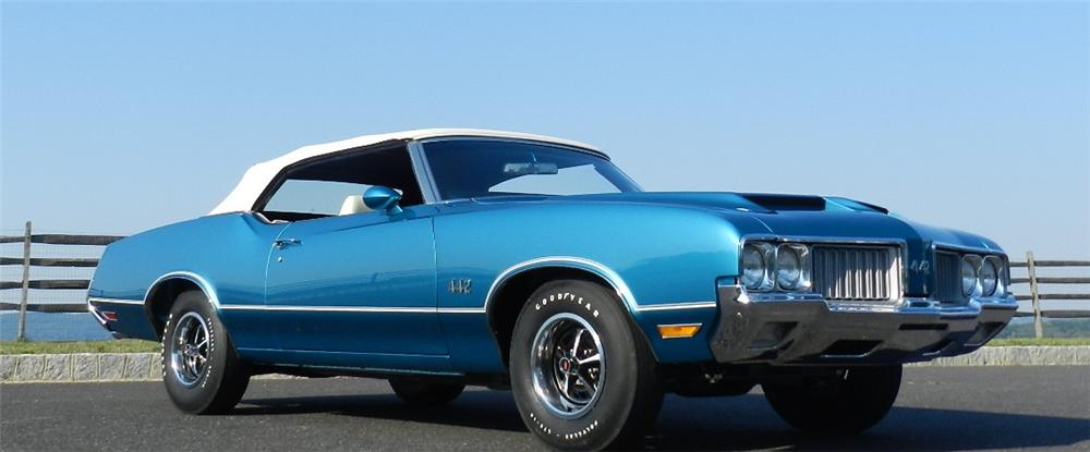 1970 OLDSMOBILE 442 CONVERTIBLE - Front 3/4 - 133185